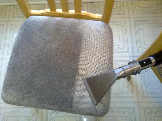 Pranie krzeseł